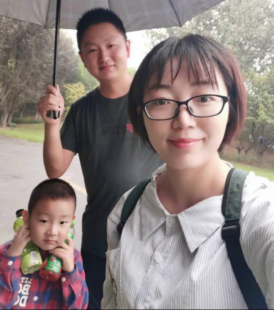"""泌阳县杨丽平家庭荣膺""""全省抗疫最美家庭"""""""